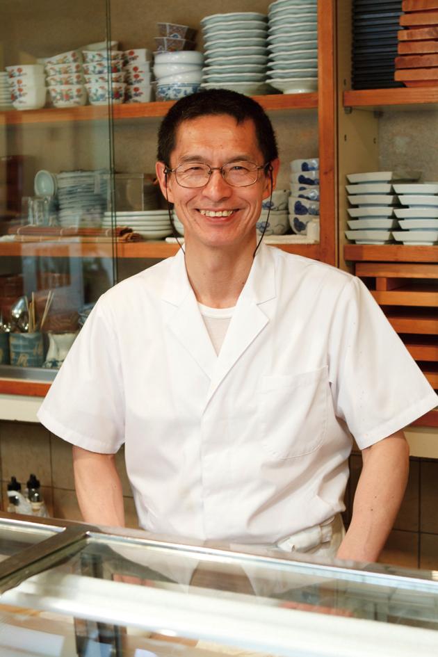 親方の佐藤栄一さん。気さくな人柄で、会話も楽しい。