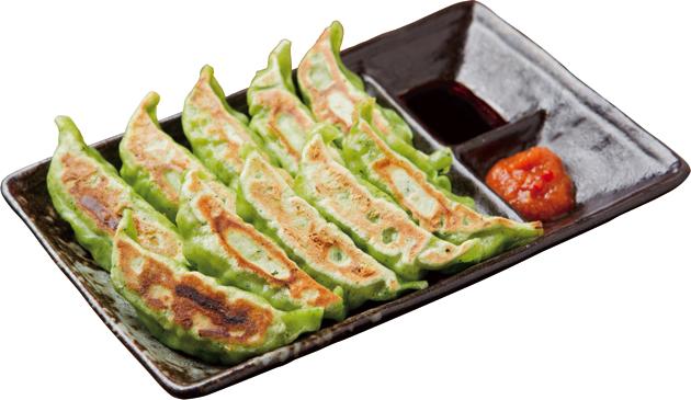 鮮やかな「仙台あおば餃子」(一人前5個410円。写真は2人前) ごはんとみそ汁、おしんこ付の定食もある