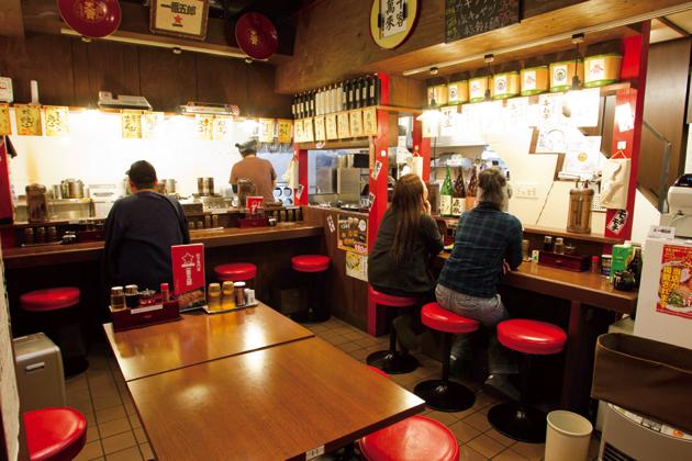 昼は味噌ラーメン、夜は餃子専門店となる一番五郎。ノーマルな肉餃子や揚げ餃子ももちろん人気