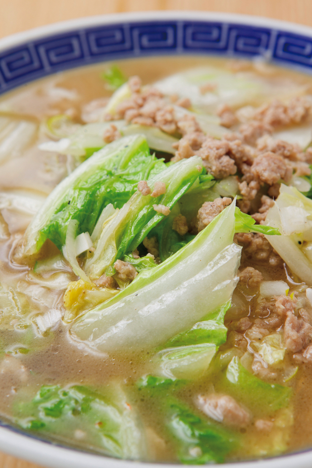 45年もの間、一番人気の「仙台らーめん」(650円)。白菜の旨味をたっぷり味わって!