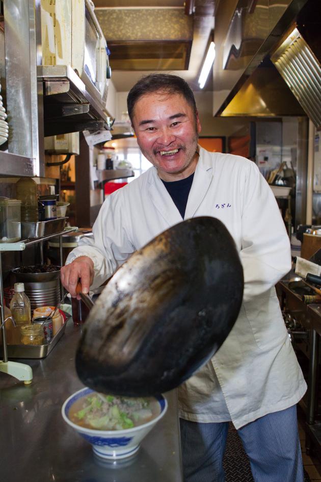 海外旅行が趣味で、世界中どこに行っても中国料理を食べるという店主の今井さん