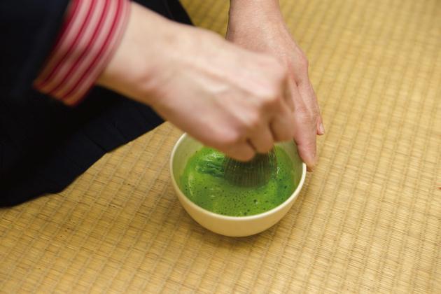 茶筅でたてた「薄茶」は、ひとり一椀でいただく