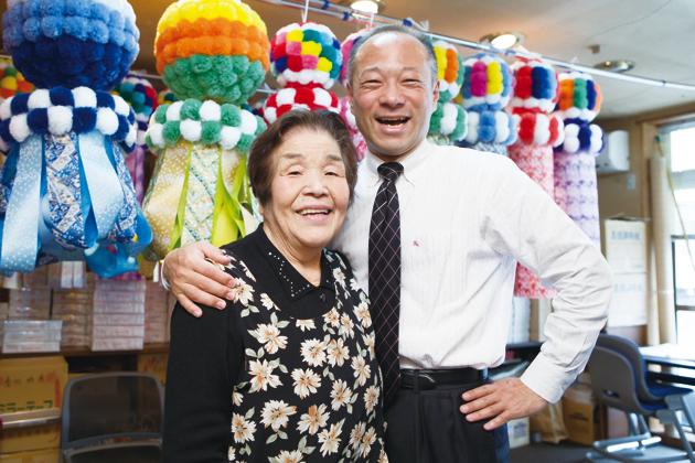 まさしく二人三脚で仙台七夕を継承し続けている蘭子さんと幸一郎さん。この絆は固い!