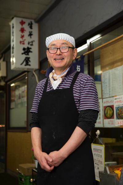 季節の食材でおいしい料理を提供し続けている笑顔のやさしい笹屋店主の中村さん