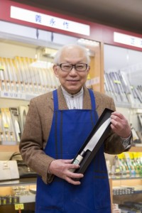 いつも店頭でお客様に丁寧にアドバイスをしてくれる加藤さん
