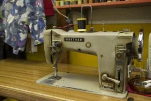 工業用のシンガーミシンは60年来の付き合い