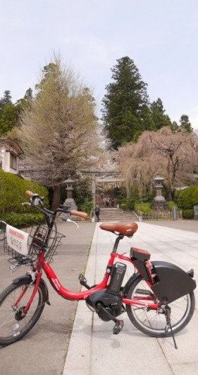 自転車は敷地入口に駐輪