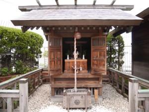 一番町藤崎の屋上に鎮座する「えびす神社」。奥州仙臺七福神のひとりえびす様を祀っている